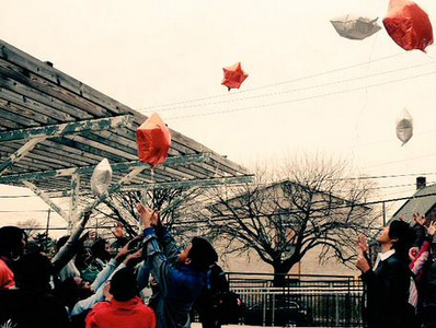Savoy students released star-shaped balloons into the sky to join the heavens.